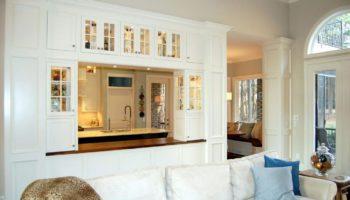 Кухня-гостиная с перегородкой: правила разделения помещения