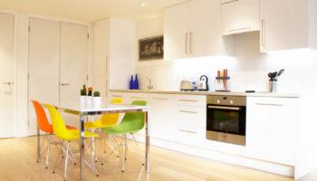 Красивые стулья для кухни: 100 вариантов с фото